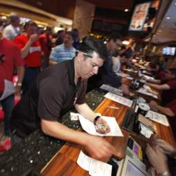Pints and Picks Special Edition: It's Tourneytime in Vegas